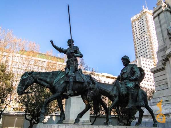 Sancho Pancha na Praza de España, Madrid